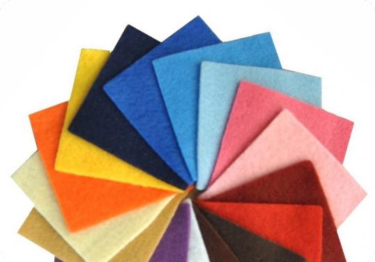 نمونه پارچه نمدی در کاتالوگ رنگ برش لیزری